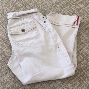 ➡️Gap Maternity 🤰👖White Capri jeans! size 8
